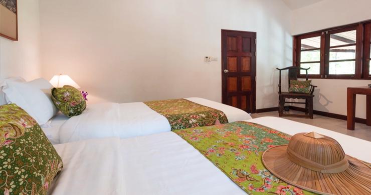 Prestigious 7 Bed Beachfront Luxury Villa in Laem Set-15