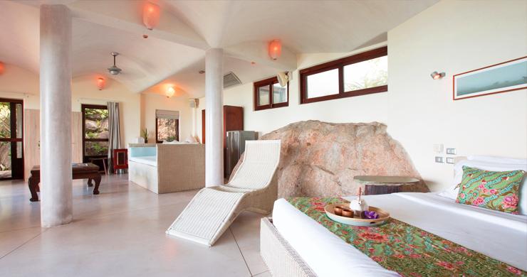 Prestigious 7 Bed Beachfront Luxury Villa in Laem Set-17