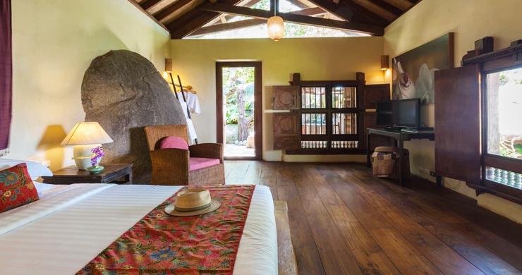 Prestigious 7 Bed Beachfront Luxury Villa in Laem Set-20