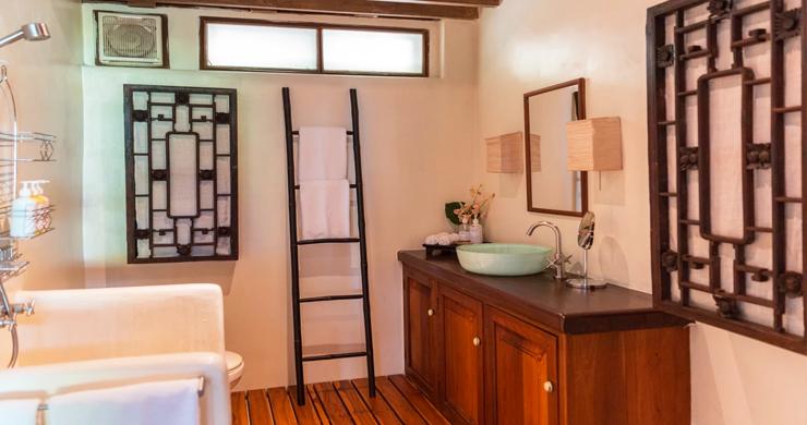 Prestigious 7 Bed Beachfront Luxury Villa in Laem Set-21