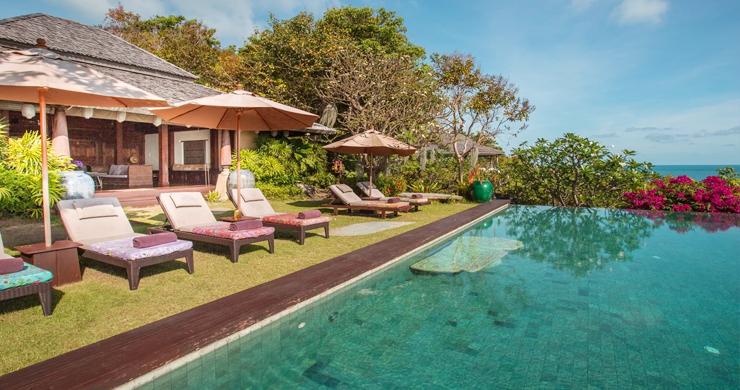 Prestigious 7 Bed Beachfront Luxury Villa in Laem Set-16