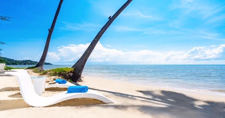 Beautiful 3 Bed Beachfront Villa For Sale on Laem Set-17