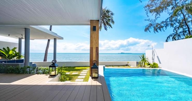Beautiful 3 Bed Beachfront Villa For Sale on Laem Set-1