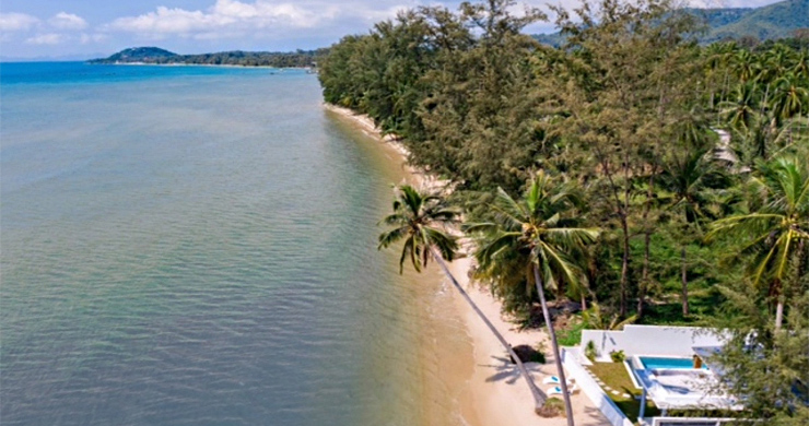 Beautiful 3 Bed Beachfront Villa For Sale on Laem Set-20