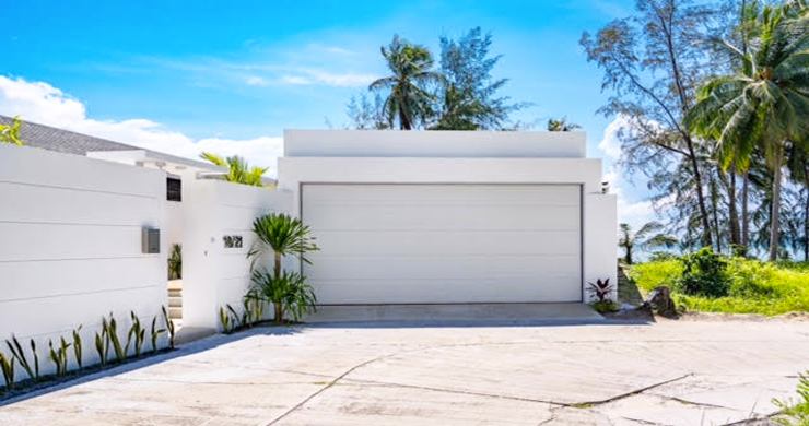 Beautiful 3 Bed Beachfront Villa For Sale on Laem Set-15