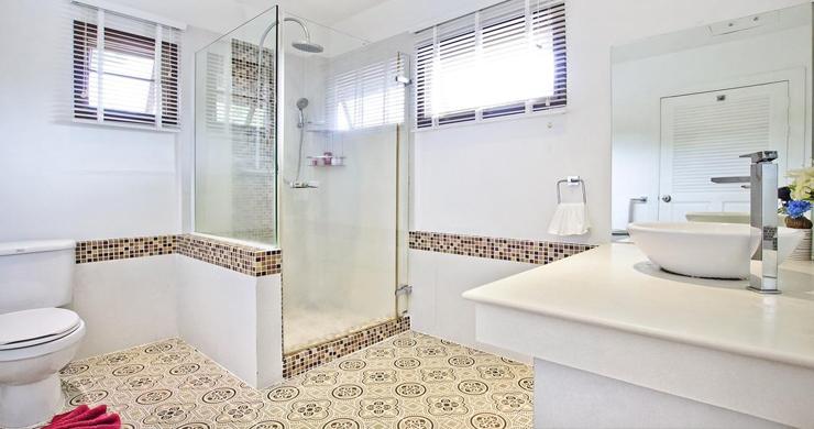 Hot Priced Beautiful 4 Bedroom Pool Villa in Bangrak-16