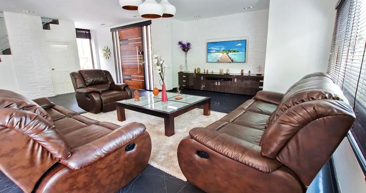 Hot Priced Beautiful 4 Bedroom Pool Villa in Bangrak-4