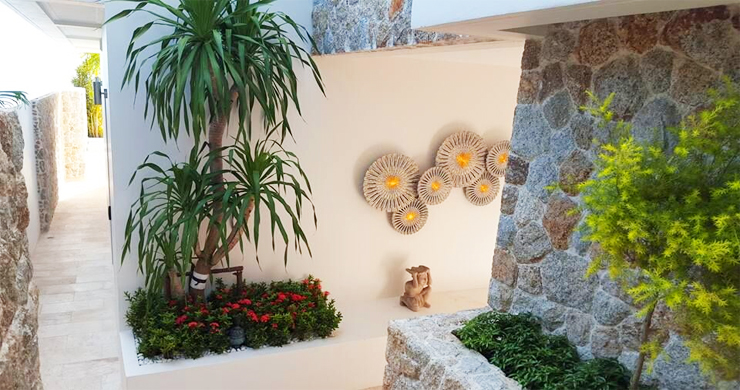 Beautiful 5 Bed Beachfront Luxury Villa in Sunset Cove-8