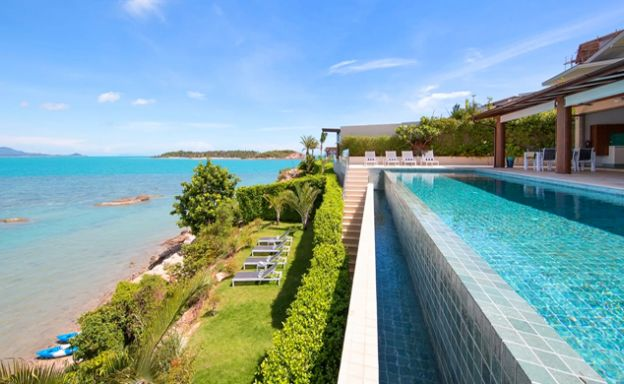 Sumptous 4 Bed Luxury Beachfront Villa in Sunset Cove