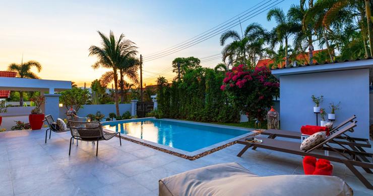 Hot Priced 4 Bed Modern Pool Villa in Bophut Hillside-16