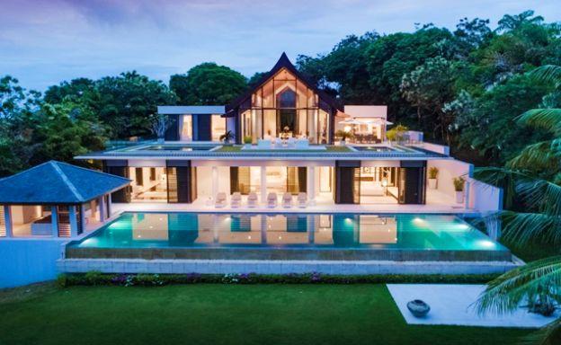 Ultra Luxury Beachfront Villa on Peninsula in Phuket