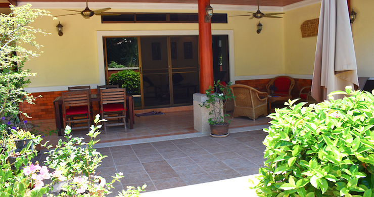 Charming 3 Bed Tropical Pool Villa for Sale in Lipa Noi-11