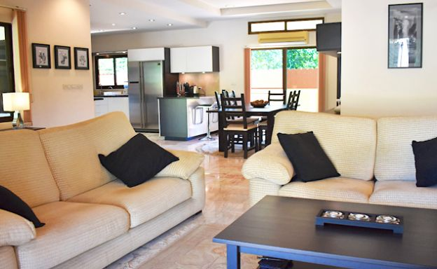 Charming 3 Bed Tropical Pool Villa for Sale in Lipa Noi