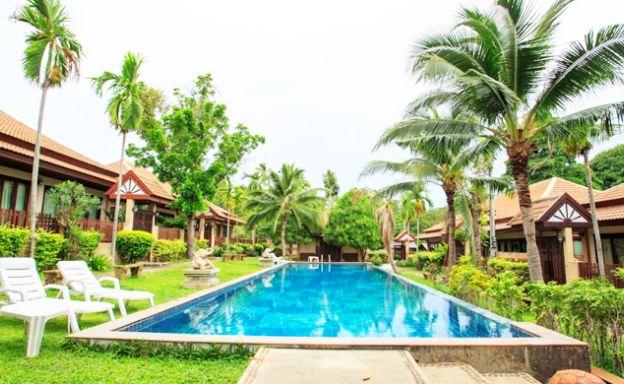 Tropical 2 Bedroom Villa Close to Fisherman's Village
