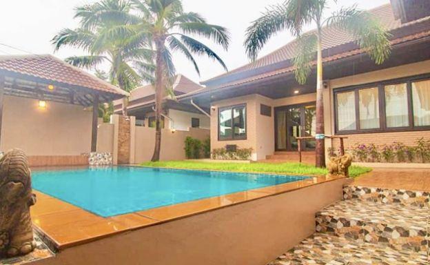 Tropical 3 Bed Pool Villa Close to Fisherman's Village