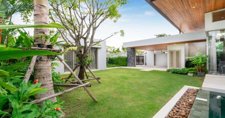 Contemporary 3-4 Bedroom Lakeside Villas in Bang Tao-20