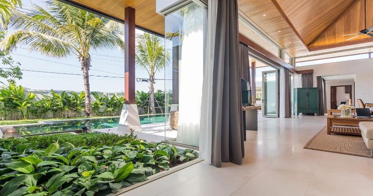 Contemporary 3-4 Bedroom Lakeside Villas in Bang Tao-17