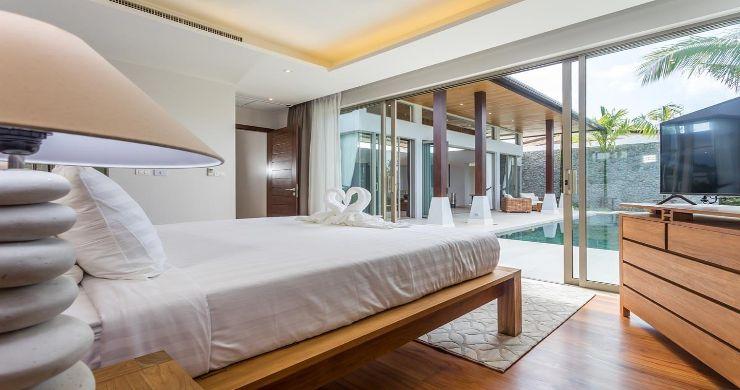 Contemporary 3-4 Bedroom Lakeside Villas in Bang Tao-12