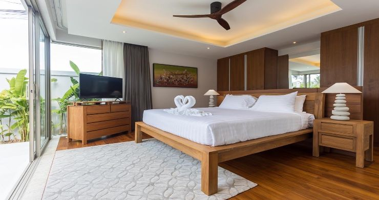 Contemporary 3-4 Bedroom Lakeside Villas in Bang Tao-15