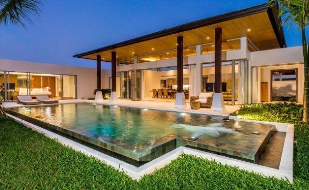 Contemporary 3-4 Bedroom Lakeside Villas in Bang Tao