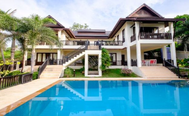Beachfront 6 Bedroom Villa for Sale in Koh Phangan