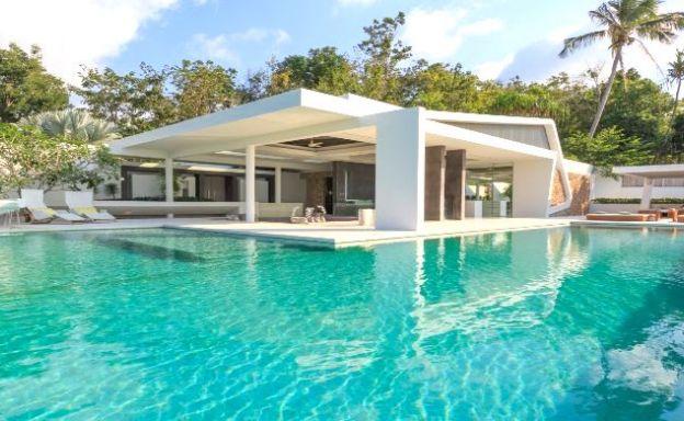 Extraordinary 5 Bed Luxury Villa for Sale in Bangpor