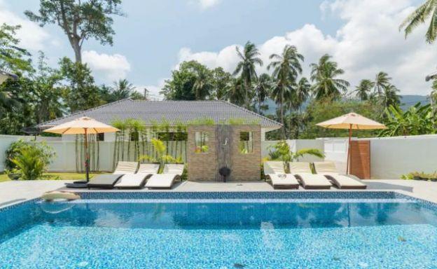 Tropical 5 Bedroom Modern Pool Villa in Lamai