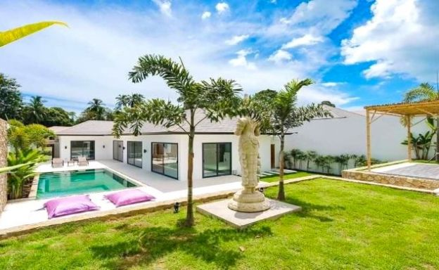 Charming 3 Bedroom Modern Pool Villas in Maenam