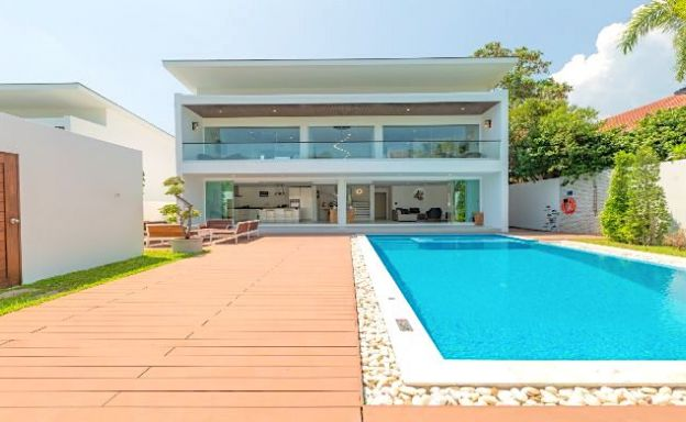 Stylish 3 Bed Modern Design Pool Villa in Bangrak