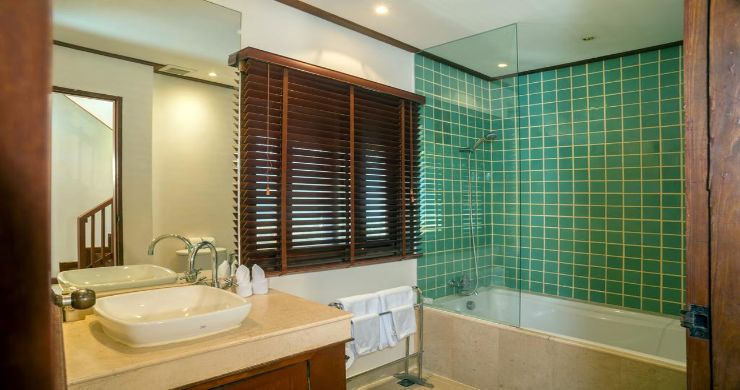 Luxury 5 Bedroom Beachside Pool Villa in Hua Thanon-15