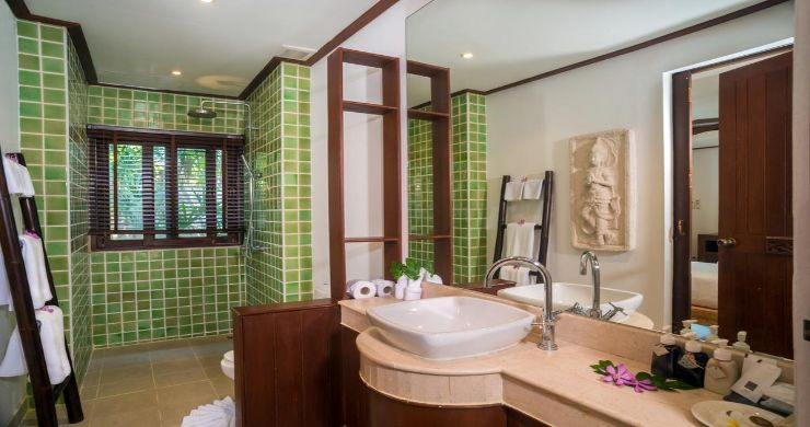 Luxury 5 Bedroom Beachside Pool Villa in Hua Thanon-17