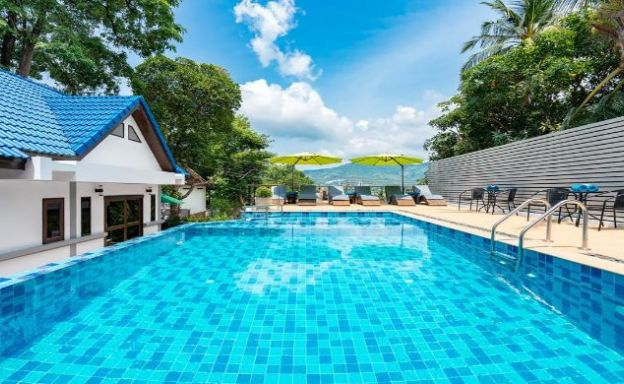 Modern 10 Bedroom Hotel Resort for Sale in Chaweng