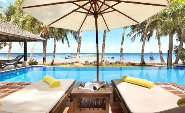 Tropical Beachfront 4 Bedroom Pool Villa in Laem Sor