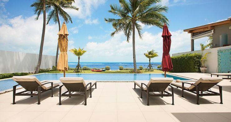 Stunning 4 Bedroom Beachfront Retreat in Laem Sor-14