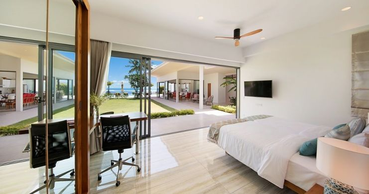 Stunning 4 Bedroom Beachfront Retreat in Laem Sor-17