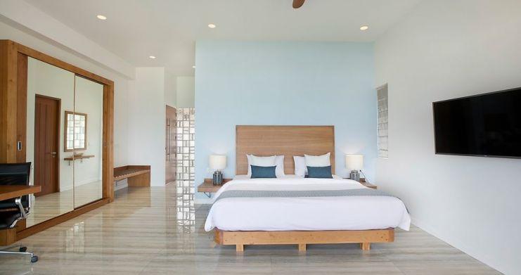 Stunning 4 Bedroom Beachfront Retreat in Laem Sor-20
