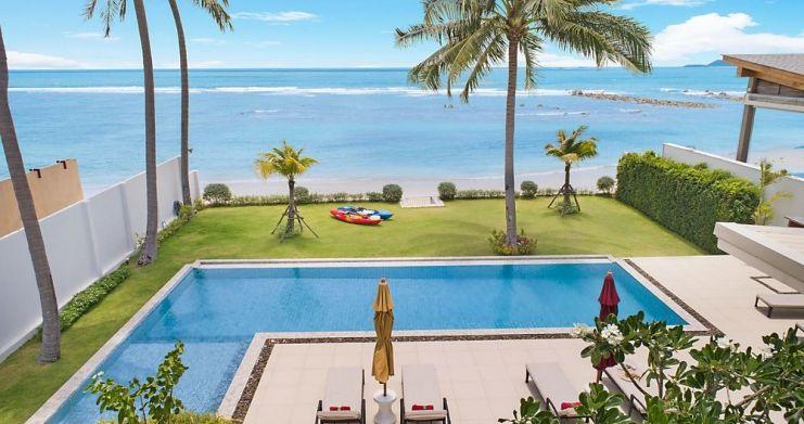 Stunning 4 Bedroom Beachfront Retreat in Laem Sor-1