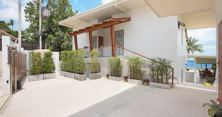 Stunning 4 Bedroom Beachfront Retreat in Laem Sor-19