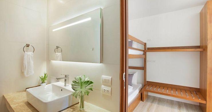 Stunning 4 Bedroom Beachfront Retreat in Laem Sor-9