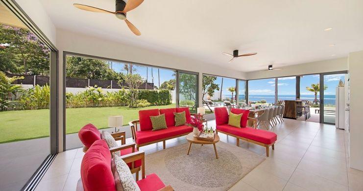 Stunning 4 Bedroom Beachfront Retreat in Laem Sor-4