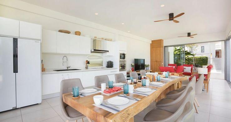 Stunning 4 Bedroom Beachfront Retreat in Laem Sor-5
