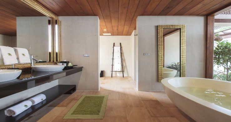 Magnificent 6 Bedroom Beachfront Villa in Laem Sor-7