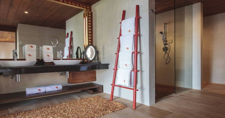 Magnificent 6 Bedroom Beachfront Villa in Laem Sor-9