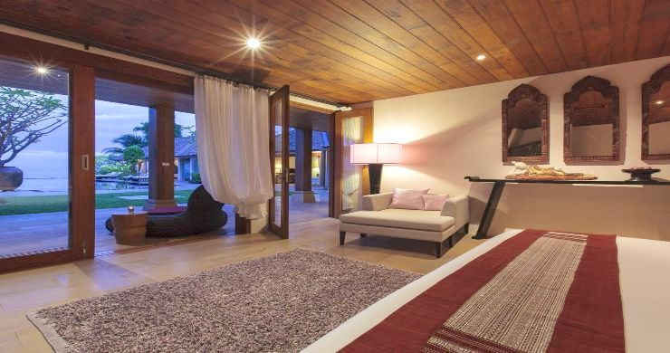 Magnificent 6 Bedroom Beachfront Villa in Laem Sor-13