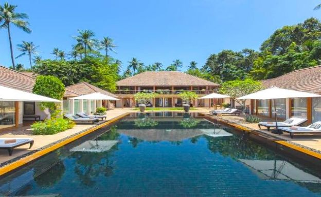 Magnificent 6 Bedroom Beachfront Villa in Laem Sor