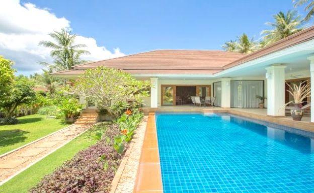 Charming 4 Bed Modern Pool & Garden Villa in Maenam