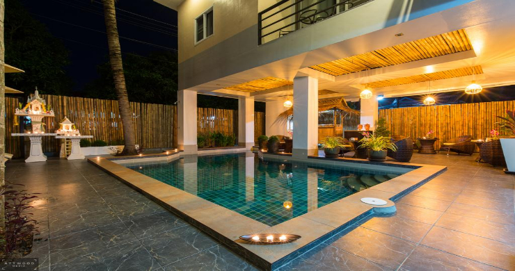 Tropical 11 Bedroom Guesthouse for Sale in Chaweng-10