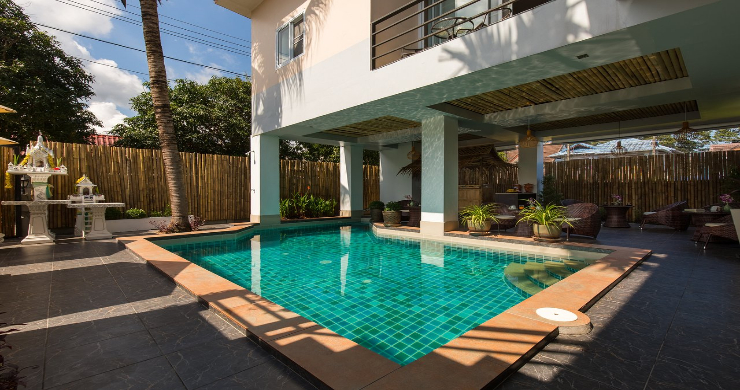 Tropical 11 Bedroom Guesthouse for Sale in Chaweng-8