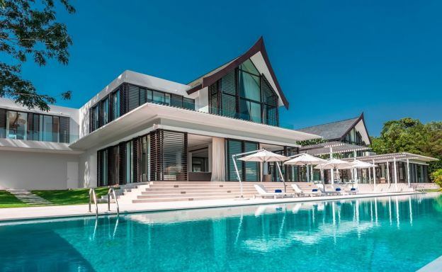 Majestic 6 Bed Luxury Beachfront Villa in Cape Yamu