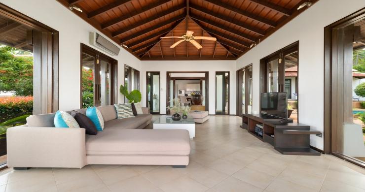 Beachside 4 Bed Tropical Garden Villa in Bangrak-5